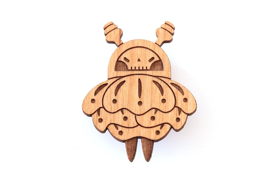 Bee with skull and flower petal wings brooch in lasercut wood - graphic insect pin - Halloween macabre goth accessory