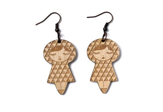 Doll earrings with Uroko pattern - matriochka jewelry - kokeshi jewellery - lasercut maple wood - triangle - graphic accessory - cute