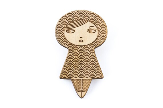 Doll brooch - Seikaiha pattern - kokeshi pin - Japanese jewelry - graphic matriochka - russian doll jewellery - lasercut maple wood