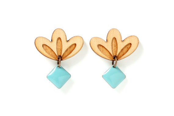 Graphic flower stud earrings in lasercut wood with mint sequin - 9 different colors - wooden floral accessory - fall jewelry - designer gift