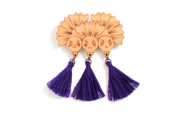 Skulls brooch in lasercut wood with tassels - witch pin - gothic accessory - vanitas jewelry - halloween gift