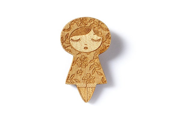 Wooden doll brooch with lace pattern and flowers - cute matriochka pin - kawaii kokeshi jewelry - lasercut wood - graphic romantic jewellery
