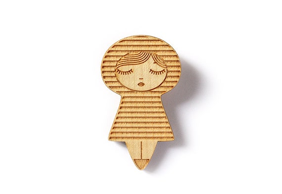 Wooden doll brooch with stripes - striped kokeshi pin - kawaii matriochka pin - illustrated cute geometric jewelry - lasercut wood