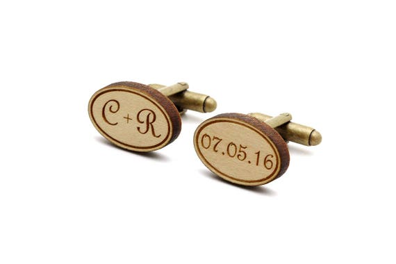 Custom cufflinks with initials and date - Retro font - personalized wedding accessory - lasercut wood - groom jewelry - bestman gift