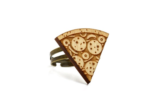 Pizza ring - lasercut maple wood - food jewelry - kitsch jewellery - OSFA ring - graphic wooden jewelry - one size fits all
