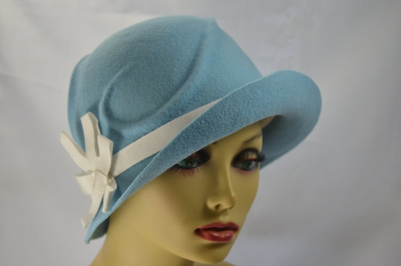 Cloche Baby blue   Women s Cloche   1920s Flapper hat    11fc4336e1b5
