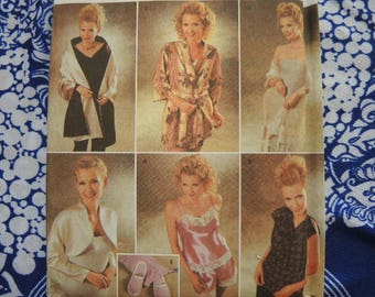 5fab1c150e 2000s sewing pattern Simplicity easy to sew misses camisole and tap pants