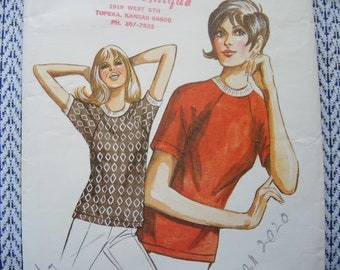 Vintage 1970s Kwik Sew sewing pattern 348 misses T shirt with raglan sleeves sizes S-L