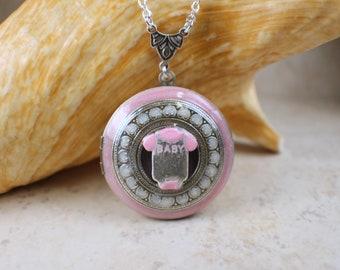 New Baby Photo Locket, Photo Locket Necklace, Gender Reveal Locket, Keepsake Photo Locket, Baby Photo Locket, Victorian Style Locket Pink