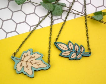 Wooden Leaf Necklace - Botanical Jewelry - Walnut - Field Maple - Wooden Jewellery - Plant Lovers Gift - Leaf Necklace - Plant Jewellery