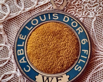 Antique French Fil au Louis D'or Advertising Pin Cushion-Exquisite Sewing Haberdashery Publicity Publicité Collectable