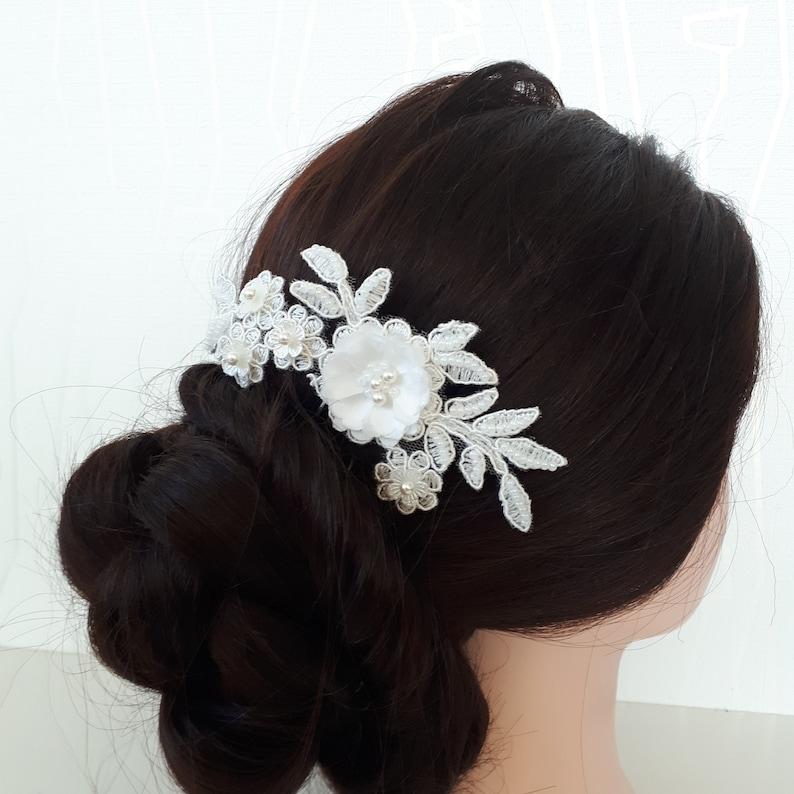 Wedding head piece Ivory lace hair comb Wedding hairpiece Bridal hair comb Beaded hair slide
