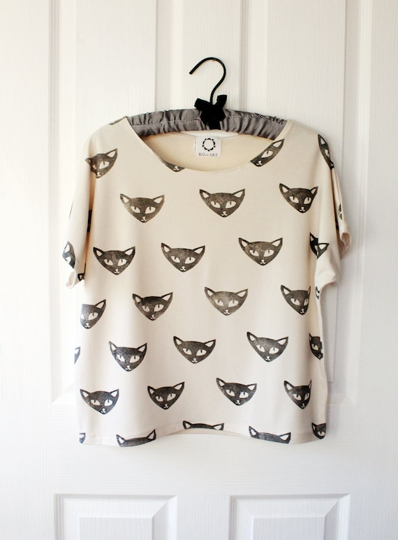 SALE! - Cat T shirt in bone jersey size S - LAST ONE!