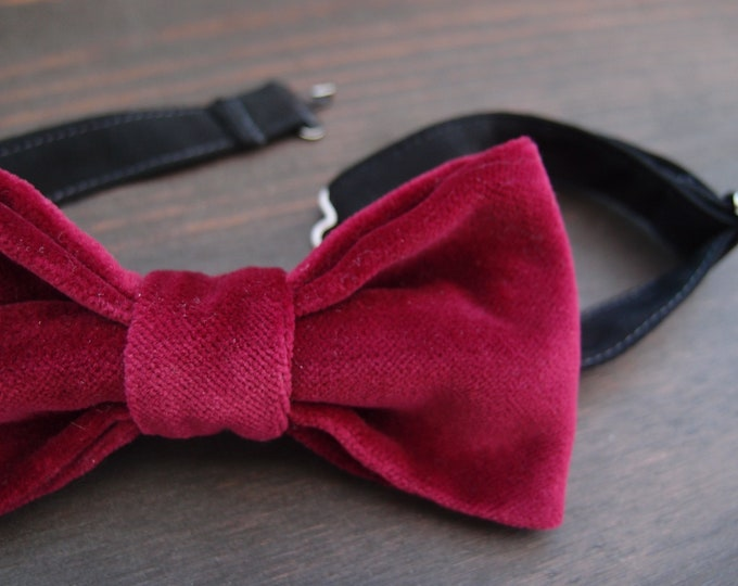 Mens burgundy velvet bow tie for a wedding, pre tied bow tie, gift for groomsmen, gift for dad, burgundy wedding accessories