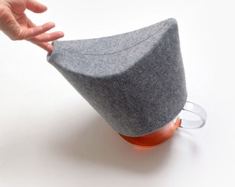 Modern Tea Cosy, THE DUCK, Handmade, Felt, Minimal, Modern Design, Grey, Cosy Warmer, Set, Easter egg, Pad, Glass teapot,