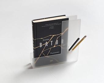 GECKO Handy Shelf, read in the bathtub, floating shelf, acrylic bookshelf, acrylic bookends, bookshelf, bath bookshelf, book holder, pure,