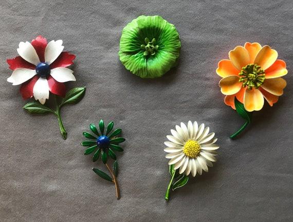 Beautiful 60's Vintage Flower Pins Set of 5 Enamel