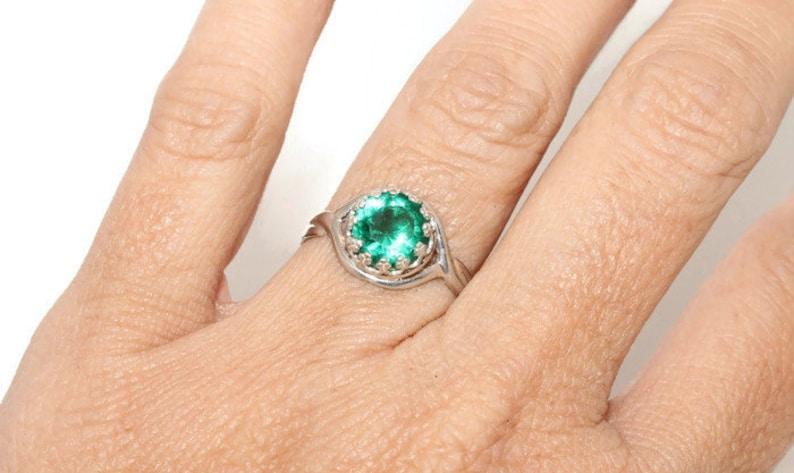 Emerald Ring Sterling Silver Crown Setting 8MM Gemstone