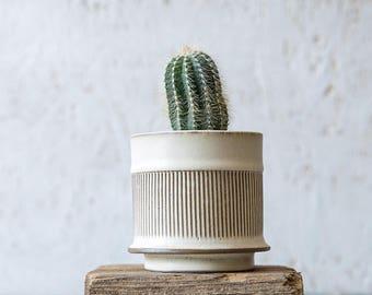 White Ceramic planter, Small Ceramic Planter, Succulent planter, Air plant holder, Modern textured planter, Indoor Planter, Gardening Gift
