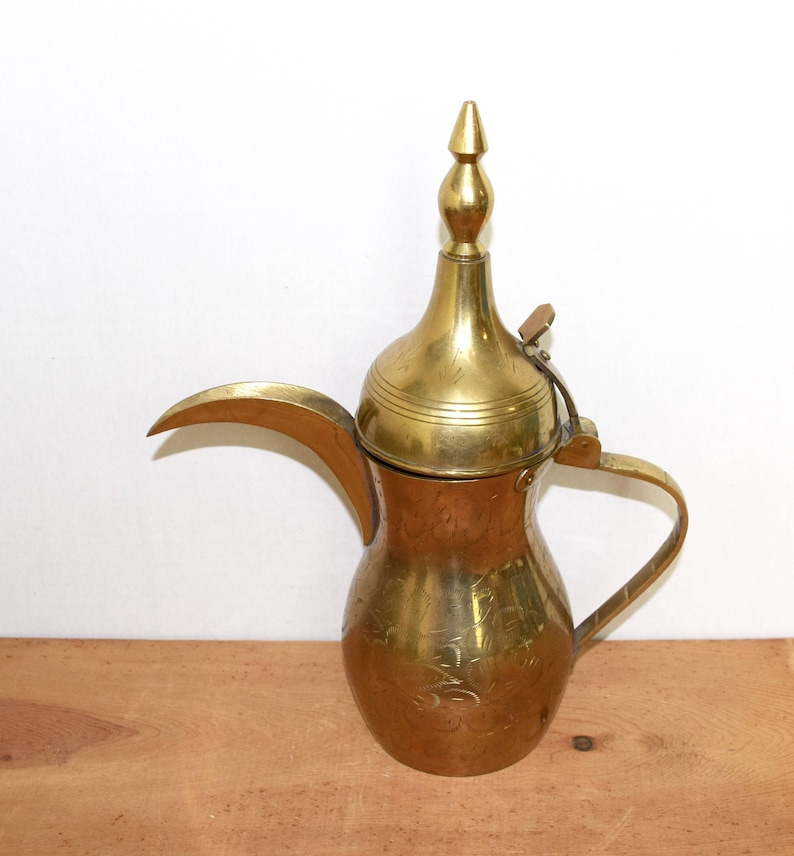 Vintage Dallah Arabic coffee pot...large brass Dallah...Arabic coffee pot...engraved brass Dallah...etched brass Dallah.