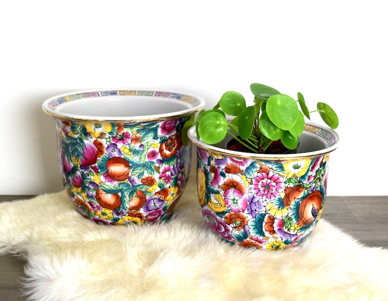 Vintage Asian planters\u2026beautiful pair of floral planters...ceramic planters...gold accents...Chinoiserie planters...