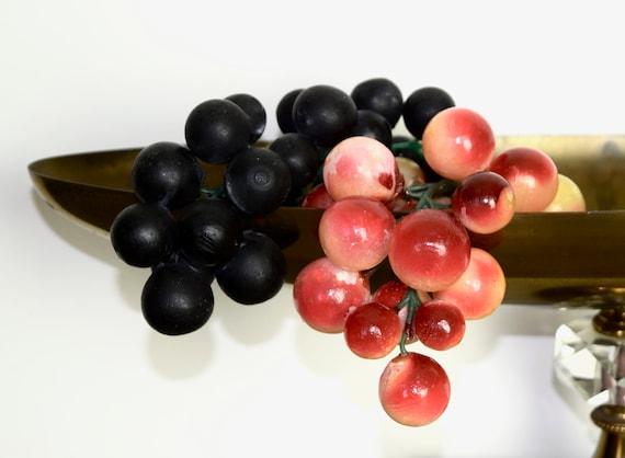 Small Vintage Italian Wine Colored Alabaster Grape Cluster