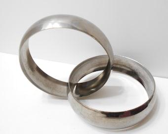 Vintage Silver Tone Intertwined Double Bangle Bracelet (7712)