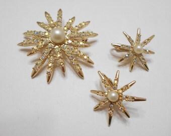 Vintage Emmons Aurora Borealis Demi Parure (7128) Brooch & Clip Earrings