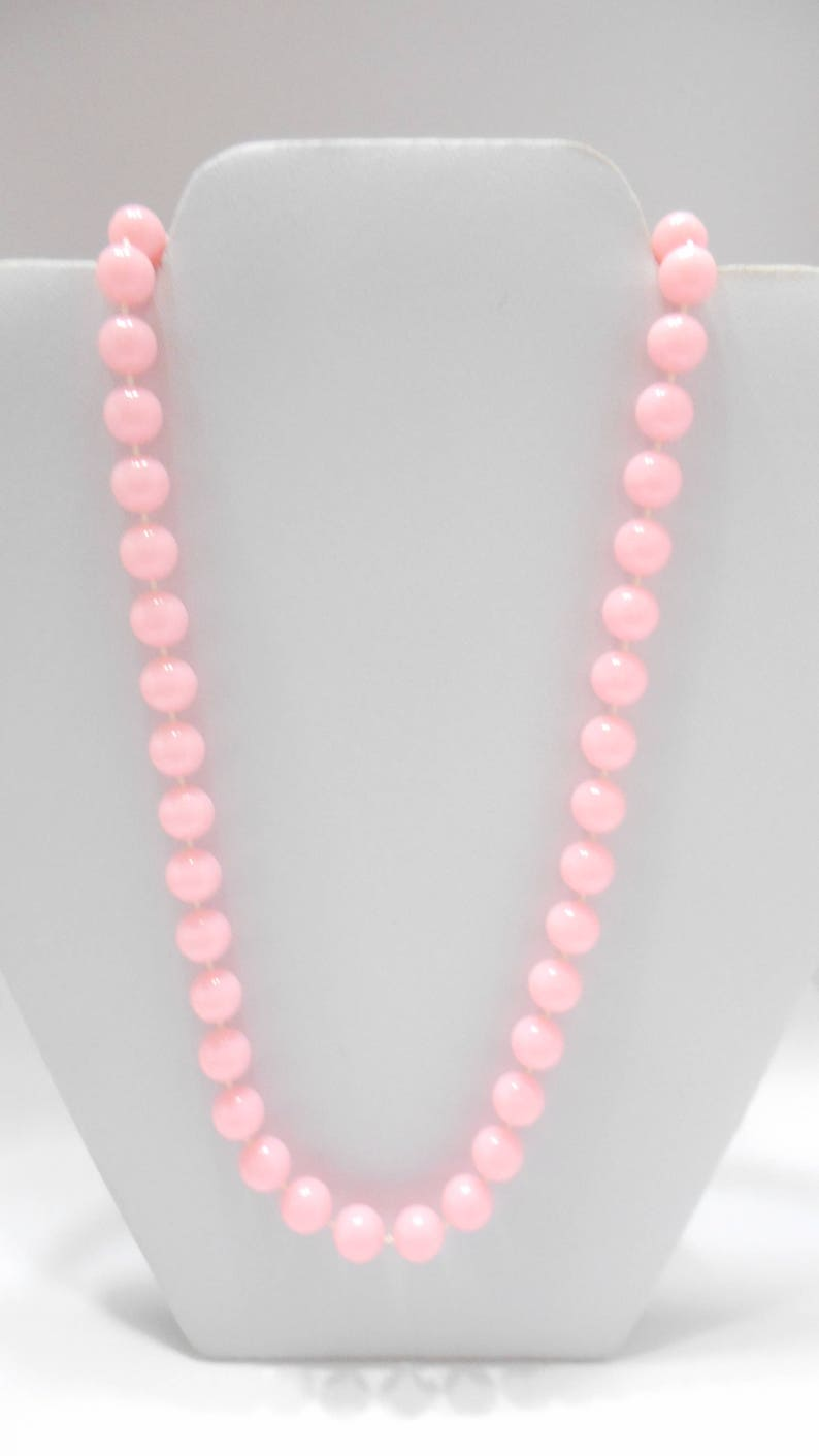 Vintage 24 Pink Plastic Beaded Necklace 7524 9mm