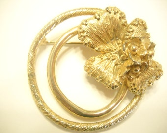Vintage Gold Tone Double Circle, FLOWER BROOCH By FALCO (3603) Patent No. 177528