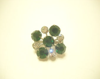 GREEN RHINESTONE BROOCH (1468) Gorgeous!