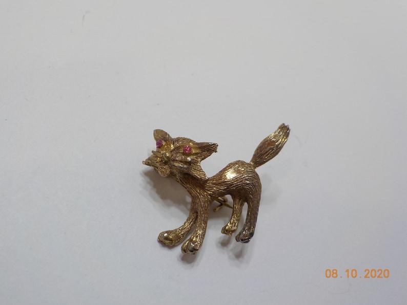 Vintage Tiny Cat Brooch 3726 Pink Rhinestone Eyes