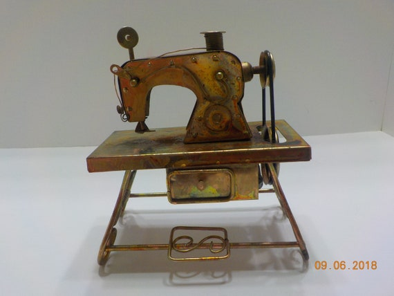 Vintage Sewing Machine Music Box Plays My Favorite Things Etsy Awesome Sewing Machine Music Box