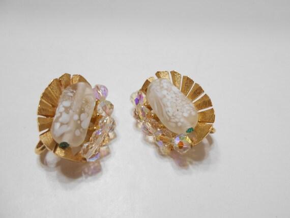 Gorgeous Trifari Clip On Crystal Earrings (1508) T