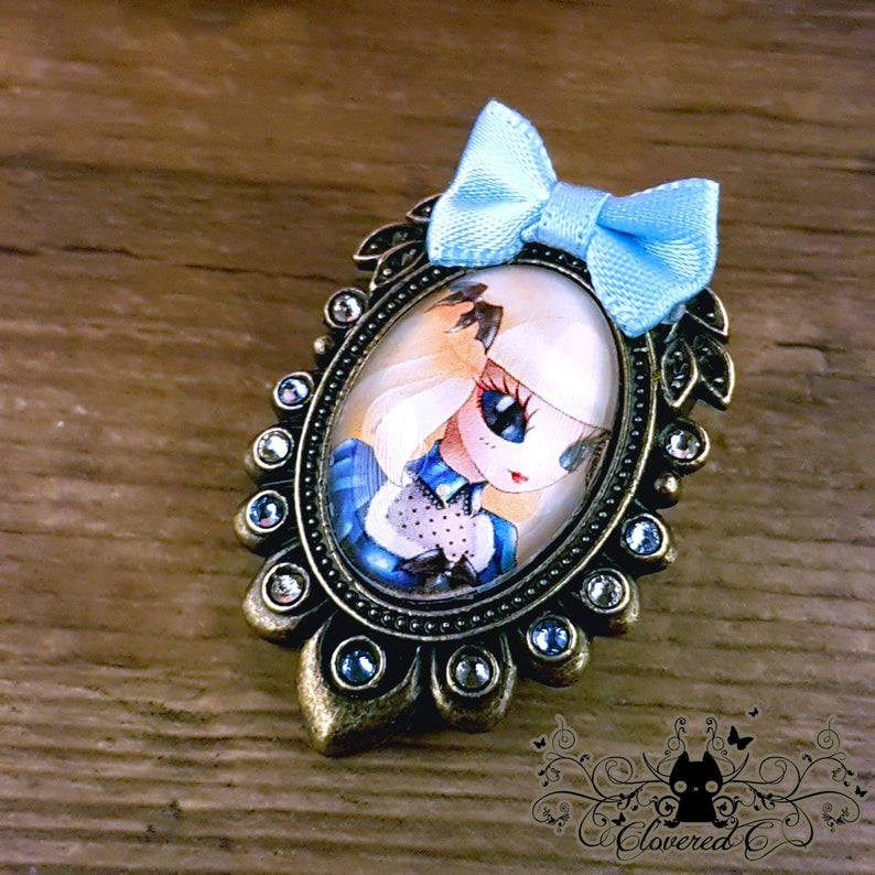 0e4191ca12455 Handcrafted Alice brooch // Steampunk portrait // Swarovski crystal //  Handcrafted