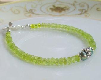 Peridot Gemstone Bracelet, Thin Delicate Stacking Bracelet, Silver Bracelet, Green Beaded Bracelet, August Birthstone, Jewelry for Her