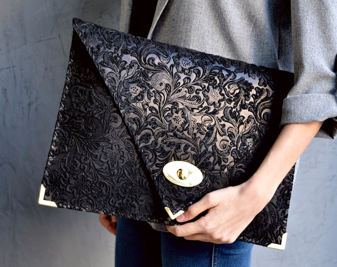 Featured listing image: Black 3D flower pattern large leather clutch