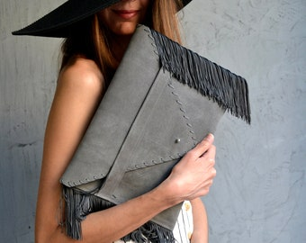 Medusa Clutch in gray