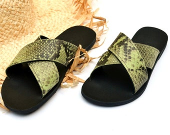 Melia sandals in lime and black