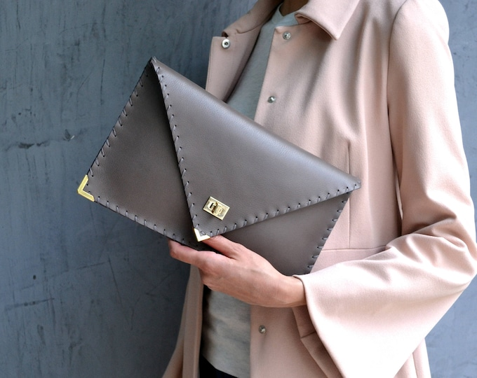 Featured listing image: Gray leather clutch