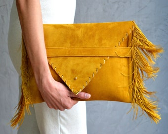 Medusa Clutch in mustard gold
