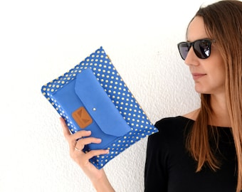 Clutch with zipper