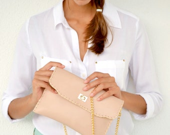 Nude leather purse