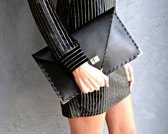Black Symmetria Clutch