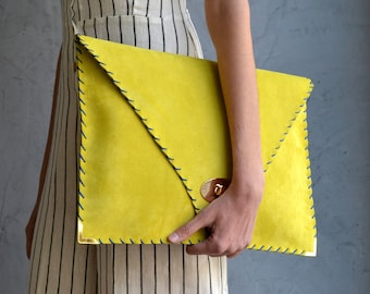 Large Soft Symmetria Clutch in yellow