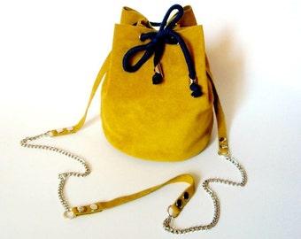 Mustard yellow little bucket bag