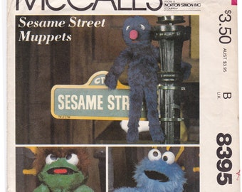 FF McCalls 8395 672, 1980s Sesame Street Muppets Sewing Pattern, Grover Oscar Cookie Monster, Soft Toys, Vintage Toy, UNCUT