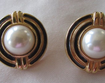 Vintage gold tone circle pin earrings with faux pearls