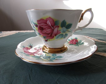 Royal Albert Sweetheart Roses, Elizabeth, Teacup and Saucer, Mint Condition