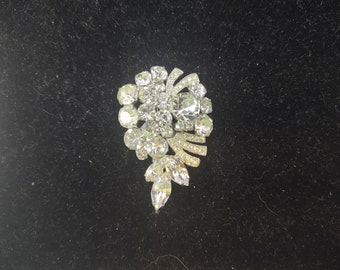 Weiss Clear Rhinestone Brooch, Sparkling Round and Navette Rhinestones, Mint Condition